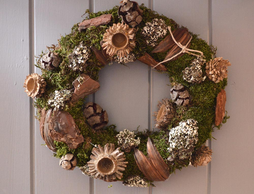 Mixed Cone and Acorn Wreath